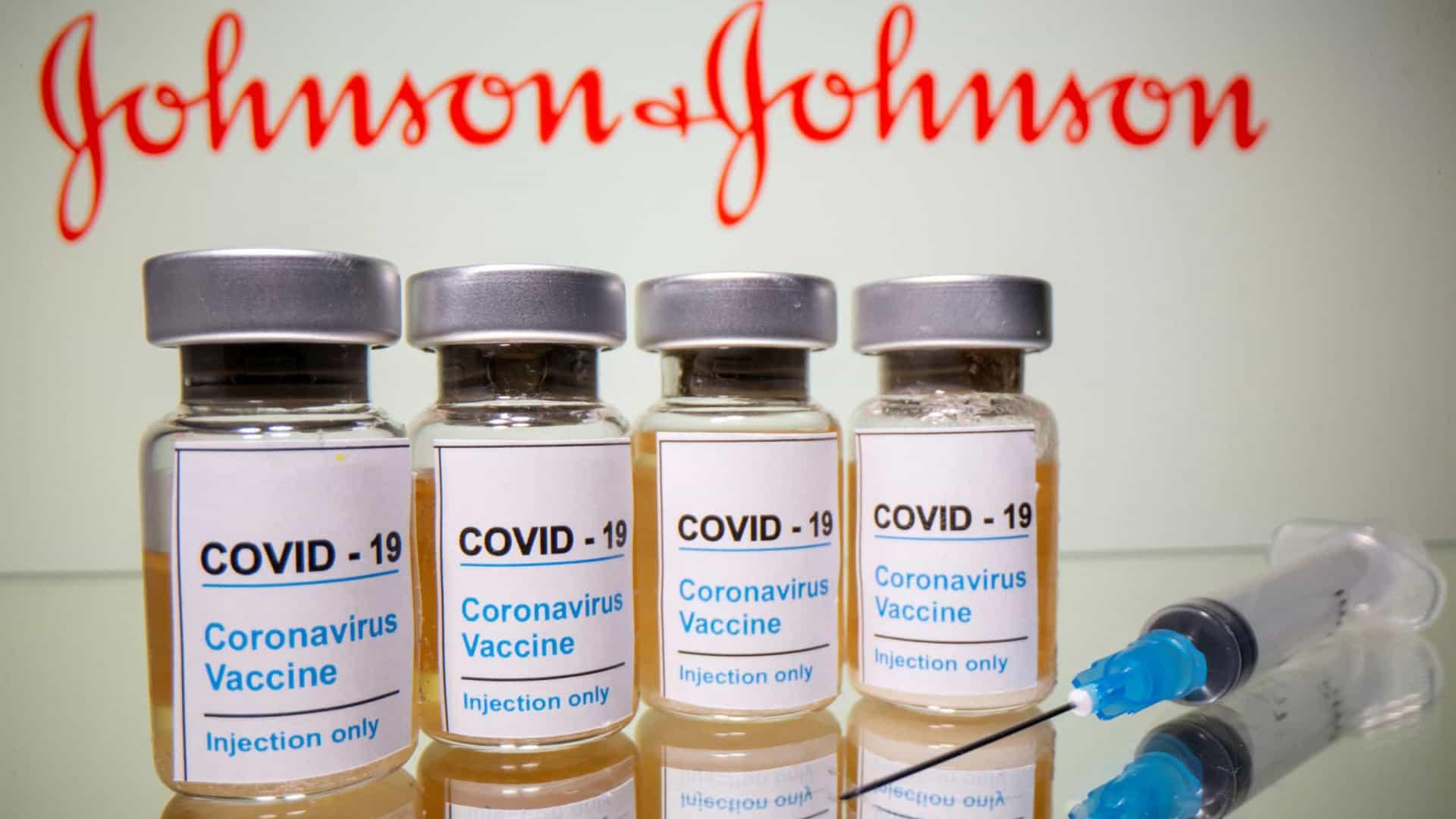 Saúde: Ministério assina contrato para 138 milhões de doses da vacina Janssen e Pfizer