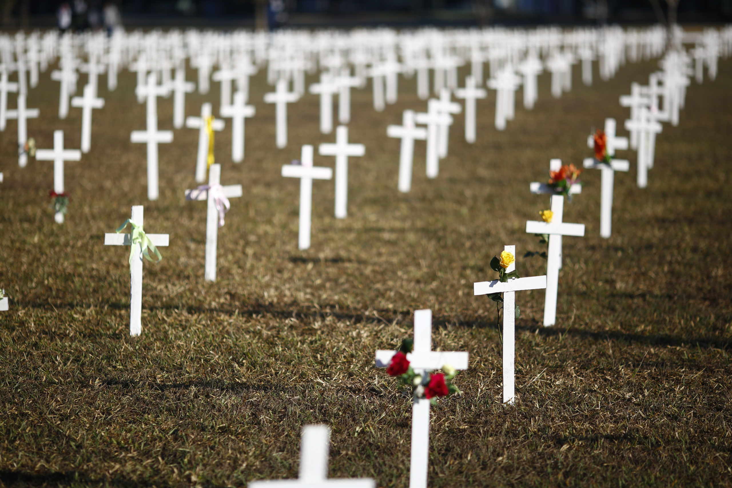 Tragédia: OMS diz que número de mortes por COVID é duas ou três vezes maior que o apresentado