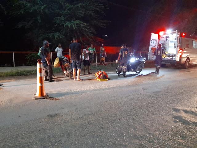 Trânsito: Motos colidem entre os bairros Caeira e Ladeira Vermelha  deixando uma pessoa ferida