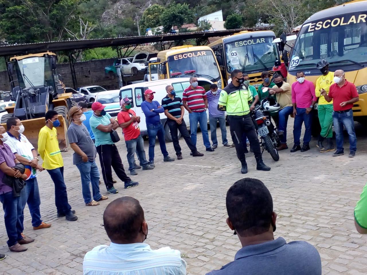 SMTT tem realizado diversas ações educativas durante o Maio Amarelo