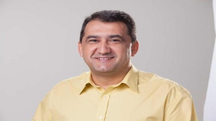 Juazeiro: Ex-Prefeito Isaac Carvalho é acionado pelo Ministério Público por contratações irregulares