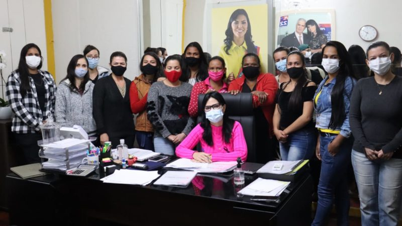 Morro do Chapéu: Prefeita Juliana Araújo sanciona lei que impede agressores de mulheres exercerem cargos públicos