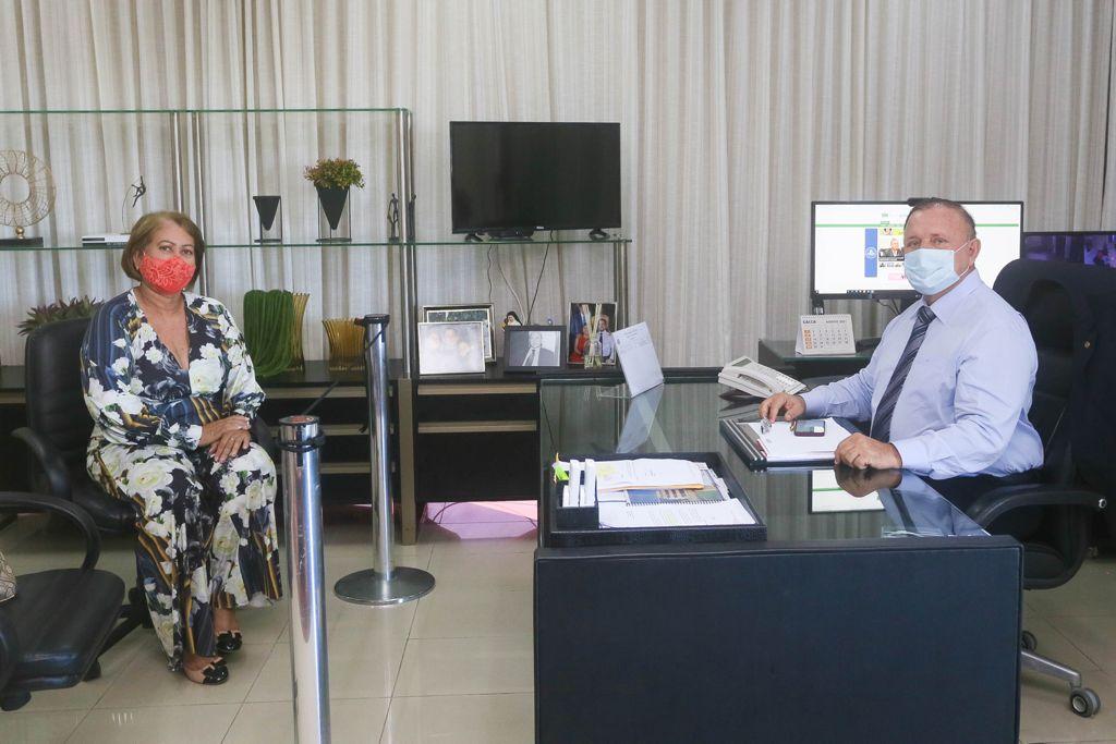 Vereadora Jane Márcia busca recursos para comunidades  junto a Assembléia Legislativa da Bahia  e Governo do Estado